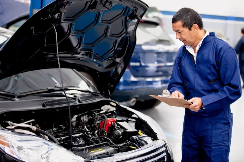 un spécialiste en entretien auto